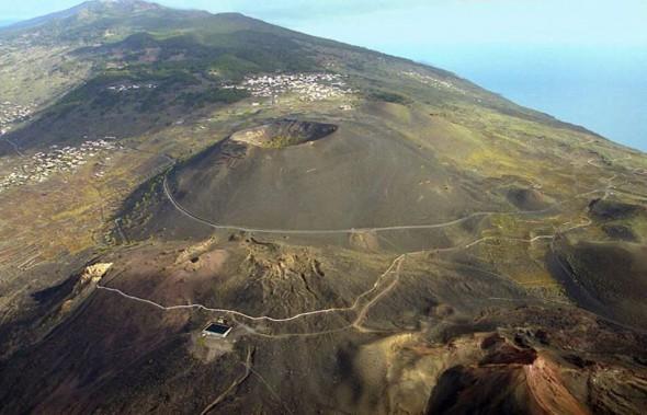 san-antonio-teneguia-volcanos-590x379